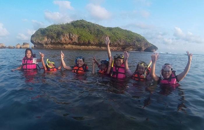 snorkeling pantai Ngandong