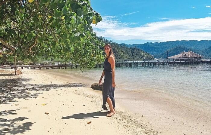 Pantai pulau cubadak yang bersih dan Alami