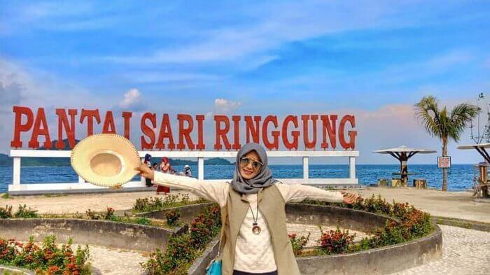 Cantik di pantai Sari ringgung yang ditata cantik dan rapi