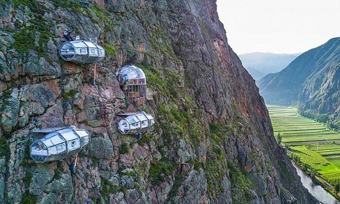 Hotel Gantung desa sajuta batu pada ketinggian 400 meter, merupakan yang tertinggi di dunia