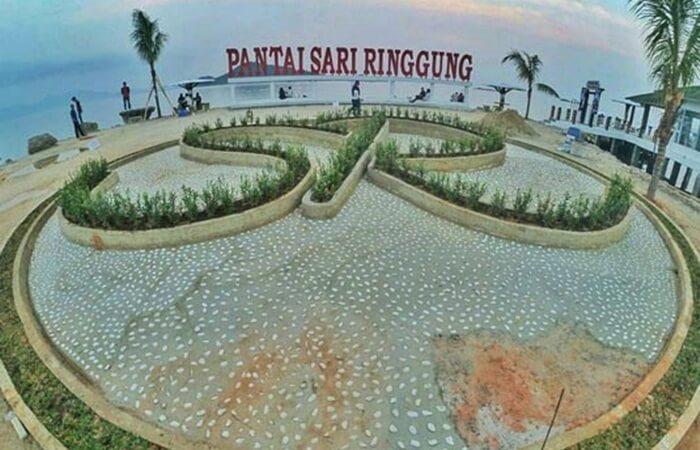 Icon Pantai Sari Ringgung Lampung yang ditata dengan artistik