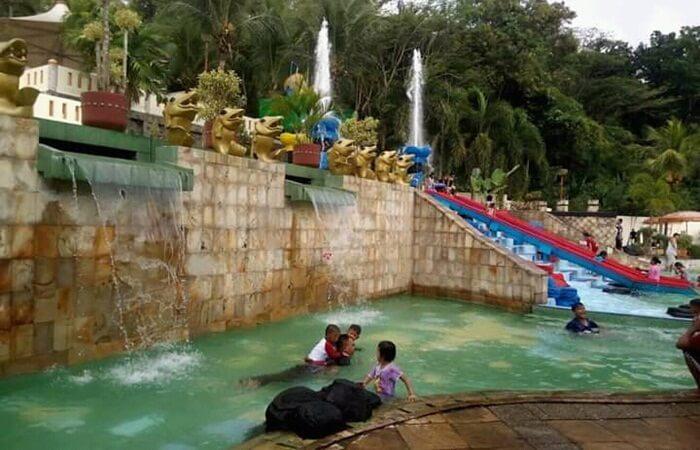 Kolam Anak Jatiluhur Water World, didesain dangkal sehingga aman untuk anak