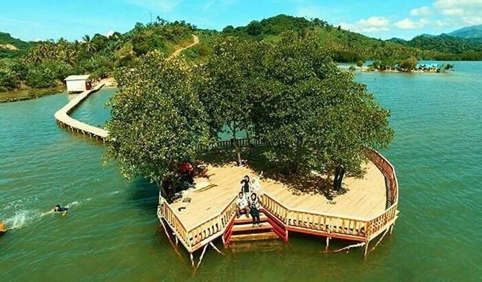 Lokasi renang di sekitar pulau cnta pantai dewi mandapa