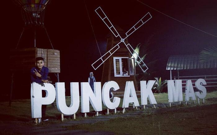 Suasana Malam hari di puncak mas Lampung