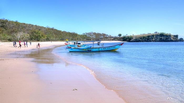 Nelayan Pantai Pink
