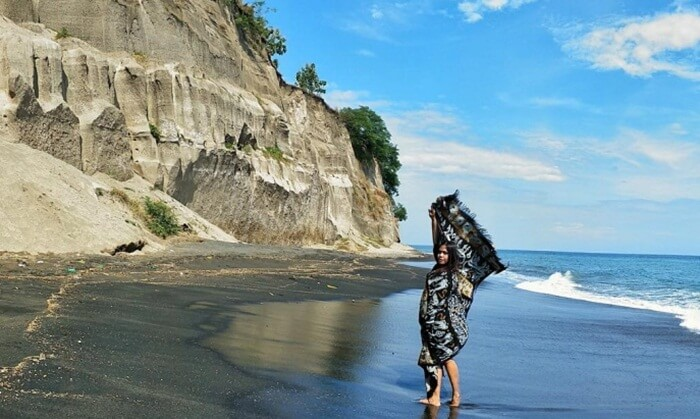 Pantai Tebing lombok, sisa letusan dasyat rinjani tua