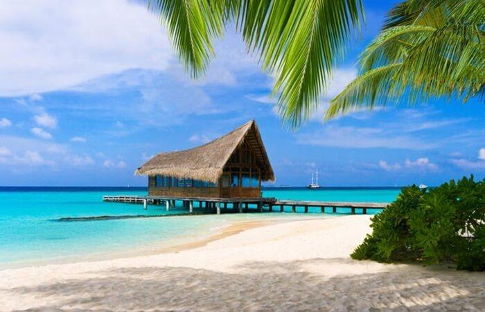Pantai indah padang yang mendamaikan hati