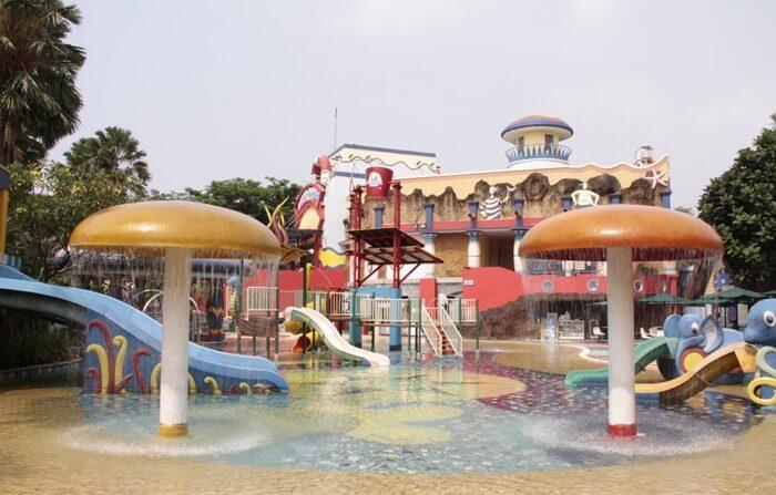 Pixie Hollow Baby's Pool kolam anak dnegan aneka permainan yang menyenangkan buat anak anak