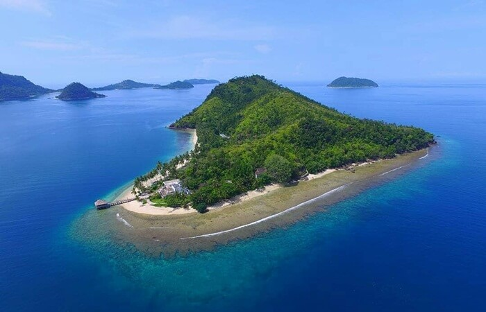Pantai Pulau Sikuai Padang denagnr esort mewah yang kini terbengkalai