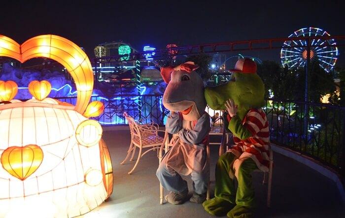 Saat Predator Disatukan Oleh Cinta di Romantisnya malam di Suroboyo carnival park