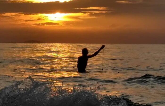 pemandangan Sunset Pantai Tebing