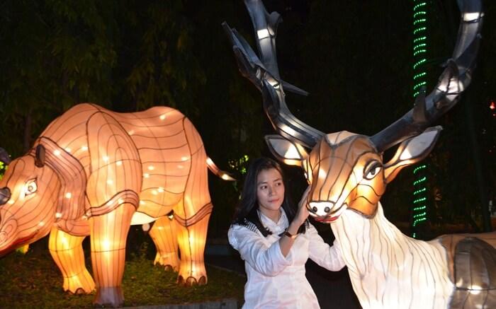 Taman Lampion Romantis, lokasi tepat unutk nyatakan cinta di Suroboya Carnival Park