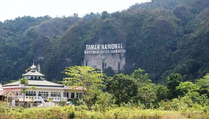 Taman nasional Bantimurung, lokasi habitat kupu kupu paling kaya di dunia