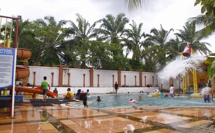 baby pool, kolam air yang aman untuk balita dan nyaman bagi orang tuanya