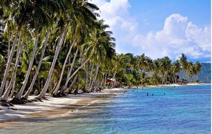 pantai pulau sikuai yang ideal untuk renang