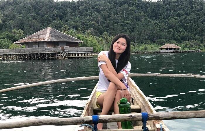 Menjelajag panatis ekitar pulau cubadak dengan perahu tradisional