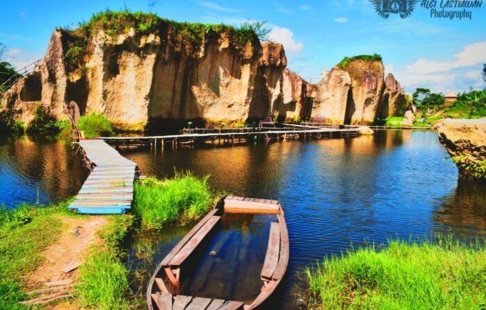 jembatan kolam tebing koja, untuk nikmati keindahan dari dalam kolam
