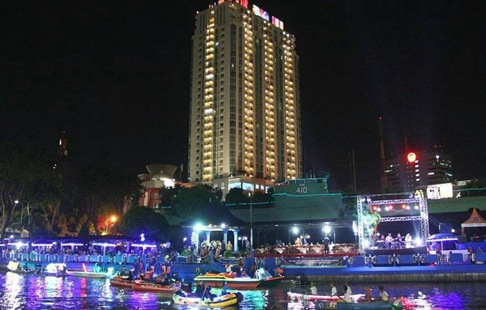 kalimas festival, festival kebudayaanyang diselenggarakan pemkot Surabaya berlokasi tepat di samping monumen kapal selam