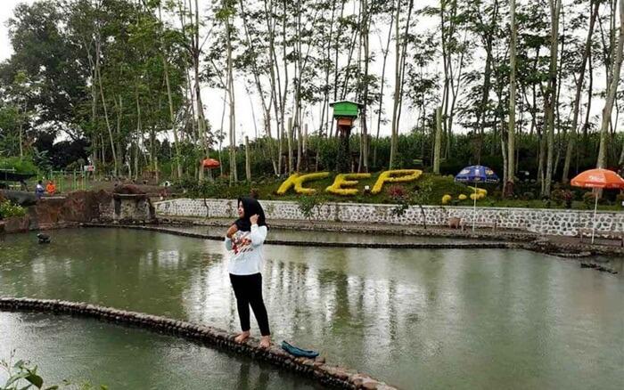 kolam indah di Kediri Eco Park bis ajuga untuk lokasi selfie