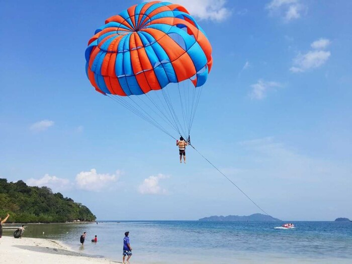 parasailing pulau tangkil, satu satunya arasailing di provinnsi lampung