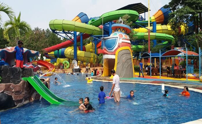 Ocean Park BSD ramah pada anak, melalaui fasilitas yang aman dan ketersediaan life guard.