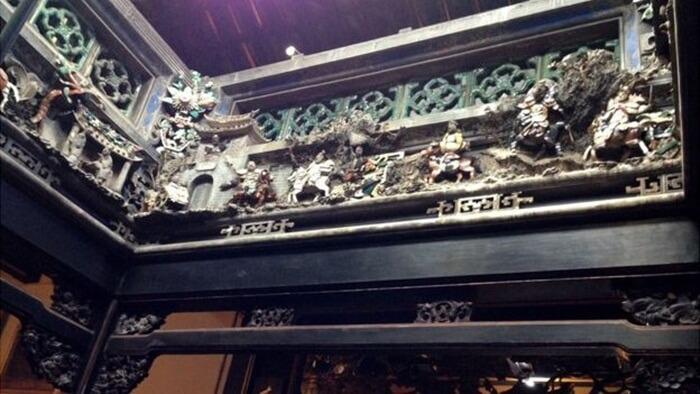 relief abad 17. koleksi asli berusia sekitar 400 tahun.