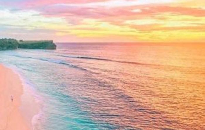 sunset Pantai pink