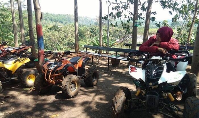 ATV Bukit Dhoho Indah salah satu wahana kegiatan outbound yang digemari banyak pengunjung