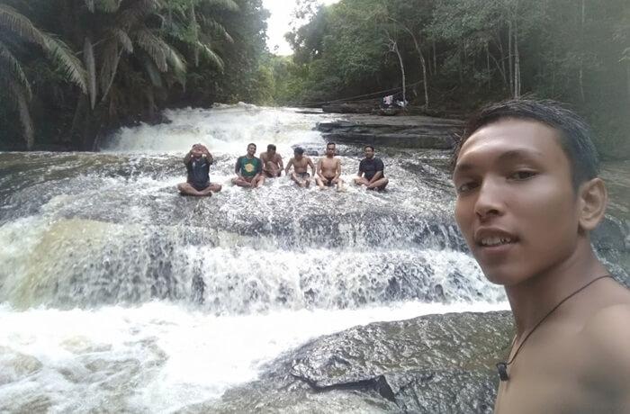 Air Terjun Kedang Ipil, salah satu wisata di kutai kartanegara yang berupa air terjun