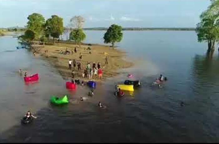 Danau Semayang, sebuah danau luas di tepi mahakam yang menjadi habitat ikan pesut mahakam yang terancam punah