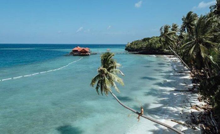 Pantai pulau maratua yang Pantai yang damai dans epi sungguh menenangkan jiwa
