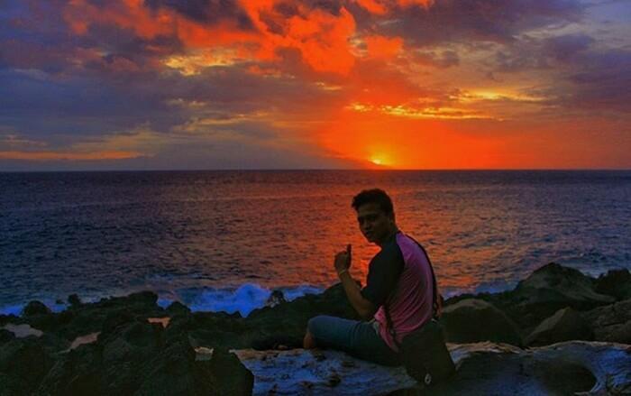 Sunset Pantai Setangi salah satu sunset yang indah di lombok. Dengan pantai yang menghadap ke barat, memungkinkan matahari teggelam tegak lurus di depan muka pantai