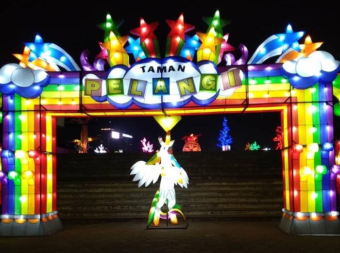 Taman Pelangi Jogja wisata malam yang coock untuk seluruh anggota keluarga