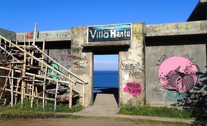Villa-Hantu pantai setangi populer bukan karena horor tapi sebaliknya karena indah