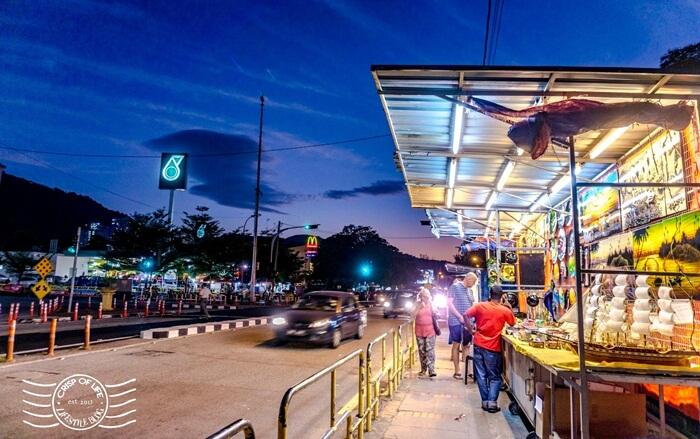 batu Ferringhi Night Market, tempat wisata di penang yang dinimati untuk menghabiskan malam