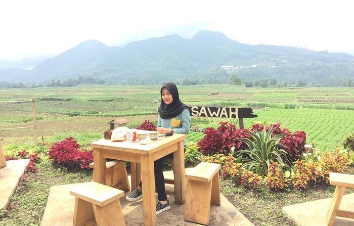 Café Sawah, kuliner malang yang memberikan kenikmatan makan sehabis membajak sawah