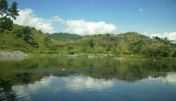 Danau Ciranca di area wanawisata ciwaringin cirebon.