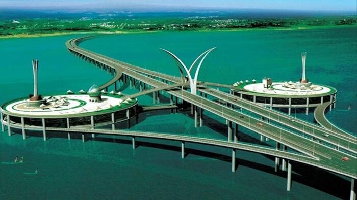 penang bridge, salah satu tempat wisata di Penang yang menunjukkan kemajuan teknologi malaysia