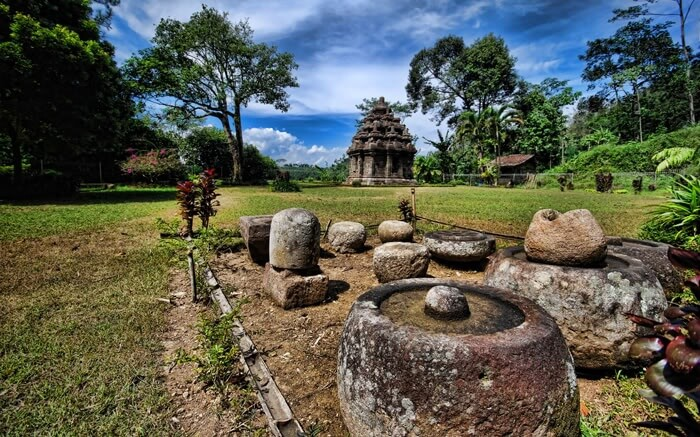 Candi selogriyo dan beberapa peninggalan kuno di Sekitar candi