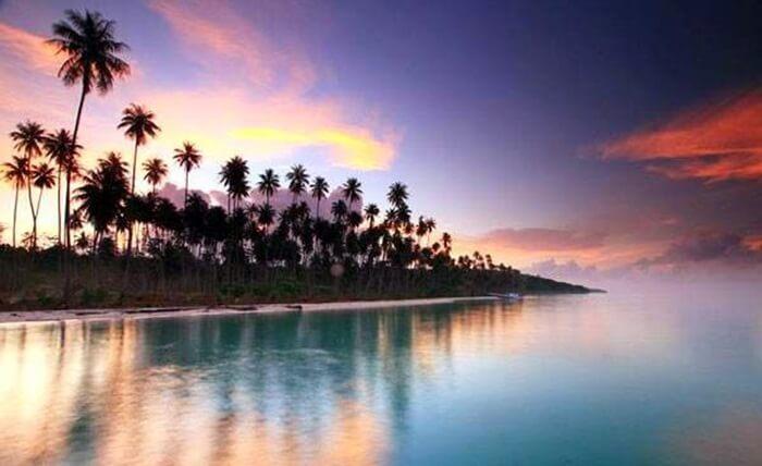 Sunset Pulau Maratua terasa khsus, karena terpencil di tengah lautan luas.
