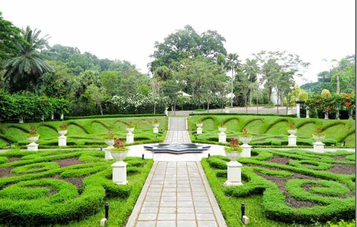 Taman Tasik Perdana, tempat wisata di kuala lumpur yang menghadirkan taman luas dan lapang