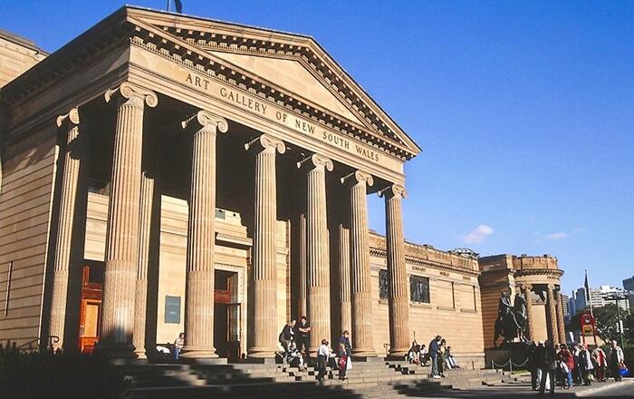Museum tempat wisata di Sudney ini berlokasi hanya 10 menit dari kota, tepatnya di sebuah taman yang menghadap ke pelabuhan Sydney.