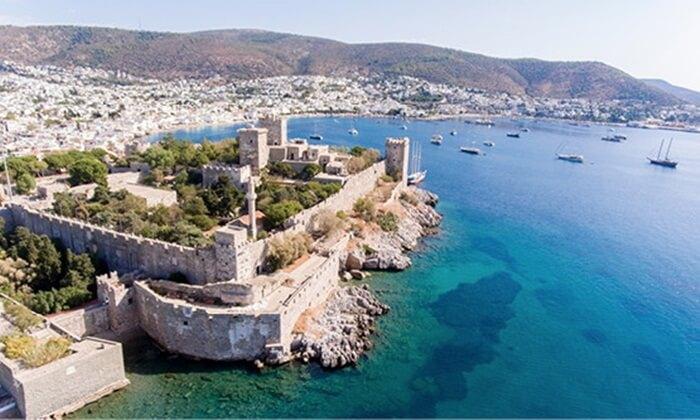 Di area tempat wisata di Turki yang berdiri semenjak tahun 1962 tersebut tersimpan ratusan artifak yang di dapatkan dari hasil pencarian dan penggalian di daratan dan di dasar lautan.