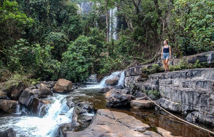 2 jam berkendara dari Pakse terdapat Tad Tayicsua. Sebuah tempat wisata di Laos berupa air terjun terindah di seluruh Laos.
