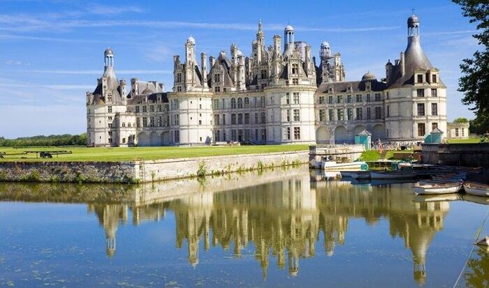 Kawasan tempat wisata di Perancis itu dibangun untuk Raja Francois I sebagai pondok berburu