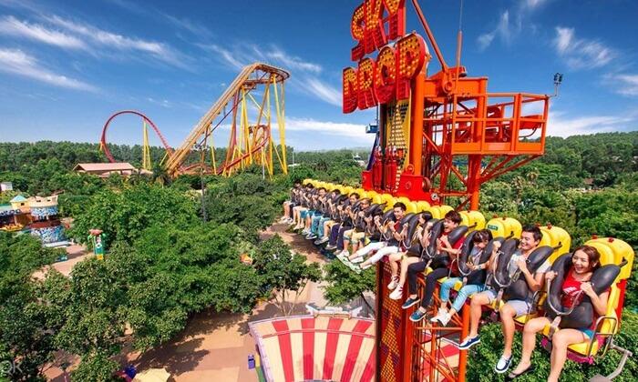 Chimelong Resort adalah tempat wisata di guangzhou yang menggabungkan hotel, hiburan dan rekreasi dalam satu wadah.