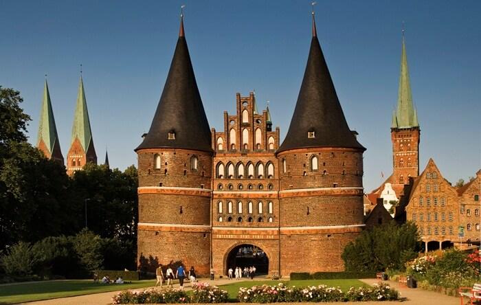 Tempat wisata di Jerman ini merupakan benteng dari Abad Pertengahan kota Lübeck di Jerman.