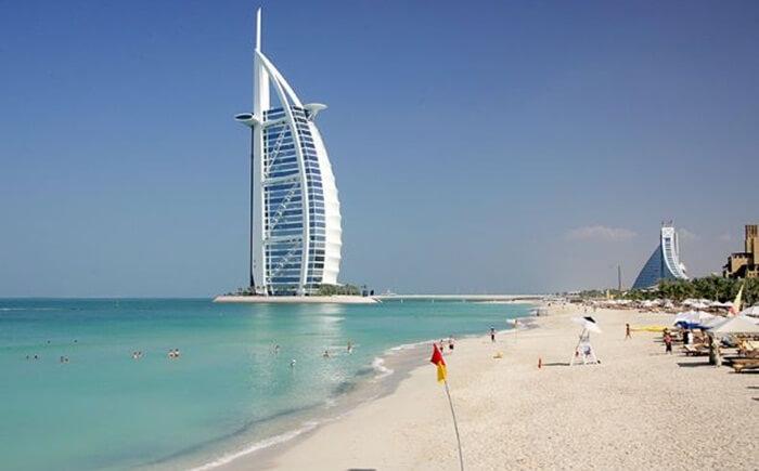 Tempat wisata di Dubai satu ini juga merupakan spot yang baik untuk melihat Burj Al Arab, bangunan ikonik Dubai sekaligus satu-satunya hotel bintang 7 yang ada di dunia.