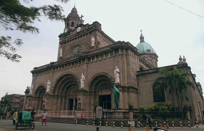 Katedral Manila, adalah sebuah basilika Katolik Roma yang terletak di Manila, Filipina. Didedikasikan kepada Bunda Maria yang Dikandung Tanpa Noda, Pelindung Terpenting Filipina.
