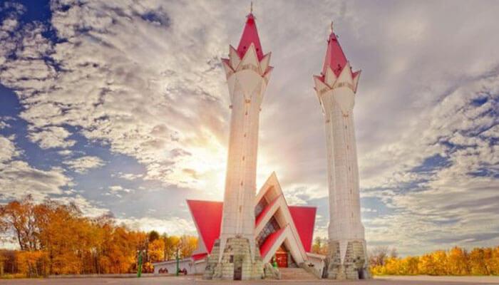 Masjidtempat wisata di Rusia Lala Tulpan berlokasi di Ufa, ibukota kawasan Bashkortostan
